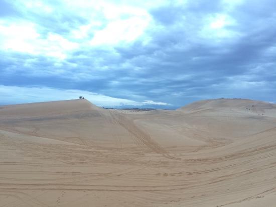 white-sand-dunes