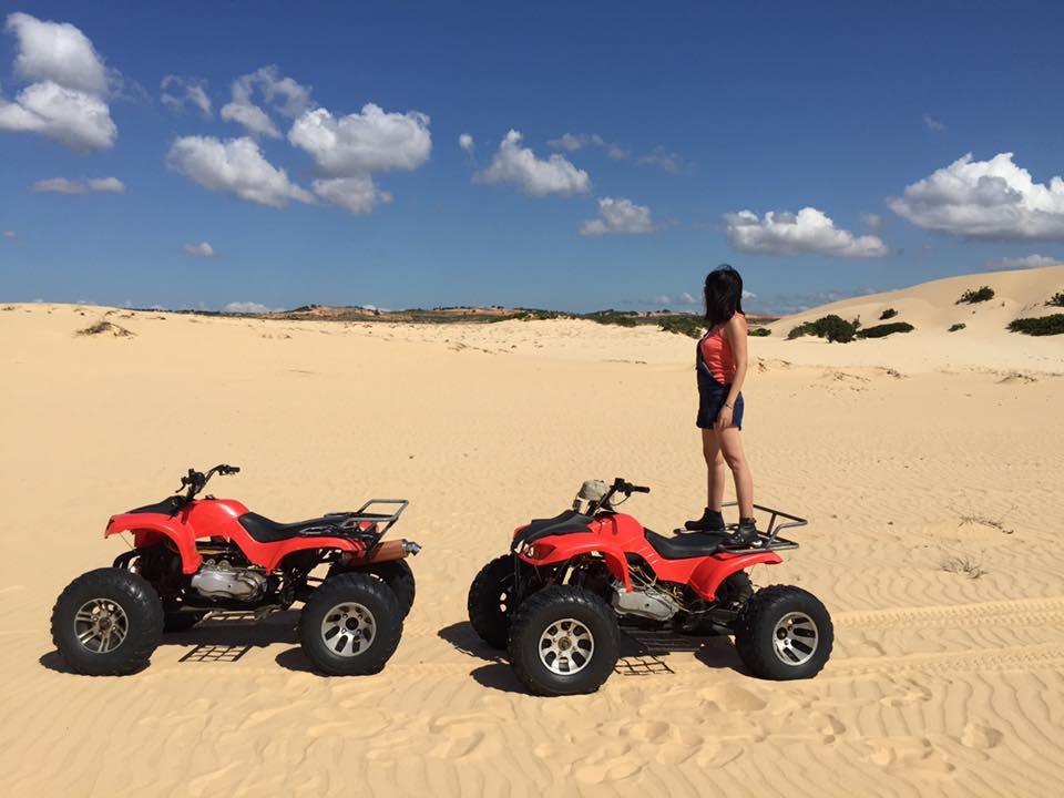 Quad biking (ATV) in White sand dunes – Mui Ne