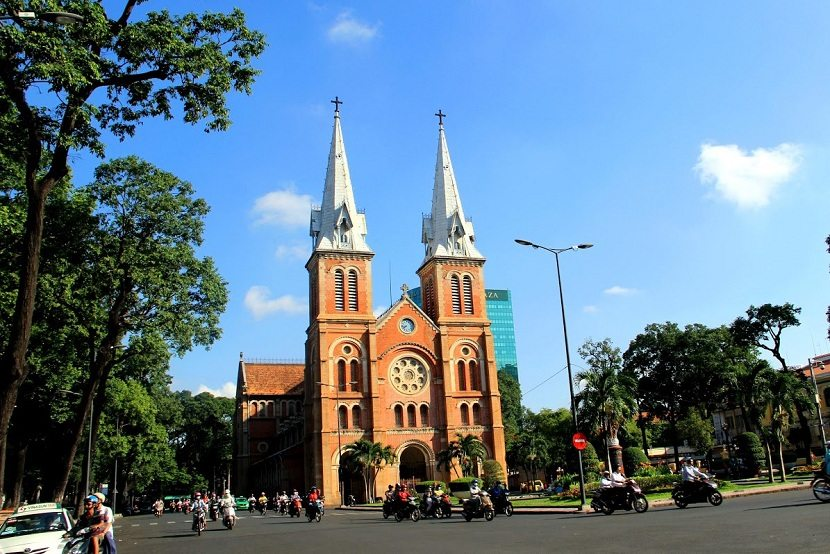 Ho Chi Minh CITY TOUR & CU CHI TUNNELS (FULL DAY)